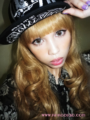 Decided to try something different with my look and opted for the hiphop/b-gyaru style. More on my blog