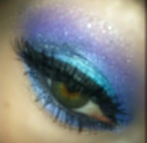 Mermaid inspired eyeshadow using bh cosmetics 88 shimmer palette