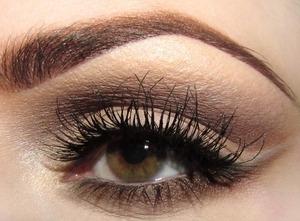 Jeniffer Lopez's 2012 Oscars Makeup tutorial: http://www.snobka.pl/artykul/makijaz-jennifer-lopez-13672