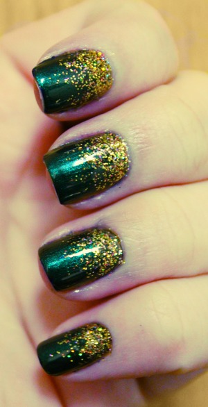 gradient using l'oreal the muse's attitude and funky fingers fool's gold