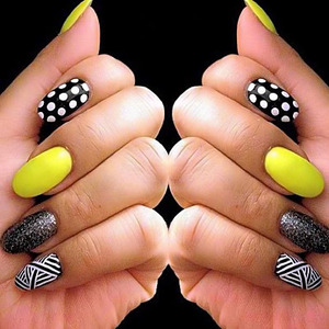 Having mix and match nails looks very trendy and superb. @ http://www.stylecraze.com/articles/8-simple-nail-art-designs/