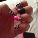 Accent bow nails