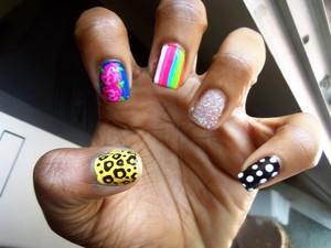 flowers, cheetah, stripes, glitter and polka dots...its like jerseylicious :D