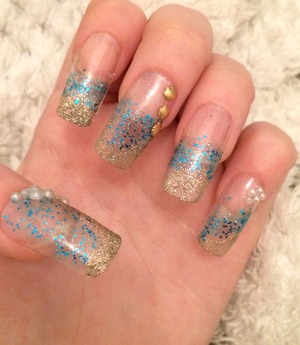 Wanted to create something simple with my new glitter nail varnish. What you think? Never done 'clear' nails before!