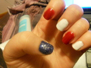 Just a plain blue thumb wasn't doing it for me. So... I added silver sparkles the represent the blue field and fifty stars,
