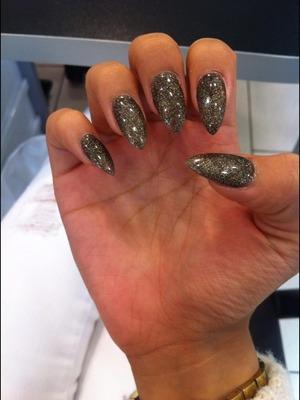 M.A.C Glitter, gel nails.