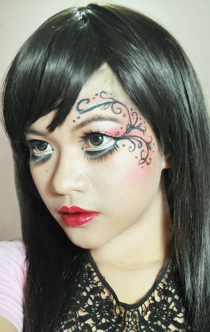 I copied a gothic make up i found on the web.. Just wanna try it out for my self and practice with a liquid eyeliner..