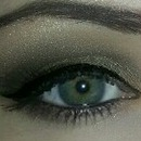 Smoky eye with browns and gold