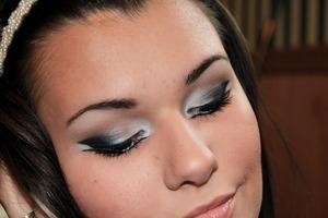 dramatic cat eye makeup makeupbykailanmarie.blogspot.com