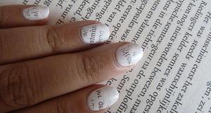 Newspaper nails.. Tutorial; http://nailsbystephanie.blogspot.com/2011/08/tutorial-newspaper-nails.html