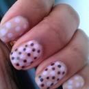 Pastelle Polka Dot Nails