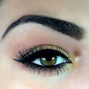 Daytime Smoky with a Pop of Gold