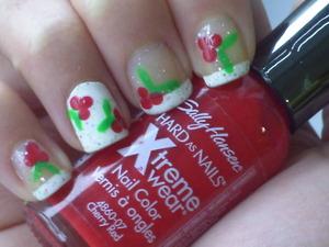 Holly/Mistletoe nails.