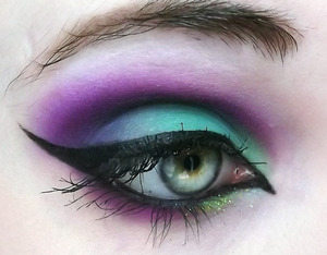 This is one of my entries for the Sugarpill and Makeupbee BEE Colorful competition!!! Find me over at makeupbee.com!
