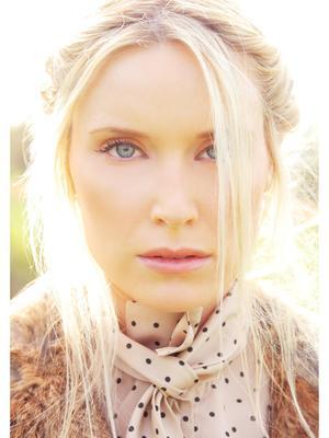 e.Blondie