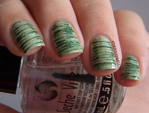 Happy St. Patrick's Day! :D http://thepolishwell.blogspot.com/2013/03/nail-ideas-st-patricks-day-manicure.html