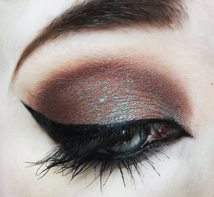 Two of my favorite things. A gorgeous duochrome, and Twiggy-esque lower lashes <3  Products Not Listed: Concrete Minerals eyeshadow in Blood And Guts and Rocked.
