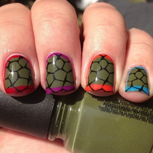 Full tutorial at https://polishmeplease.wordpress.com/2012/11/27/day-26-nails-inspired-by-a-video-game-ninja-turtle-nails/