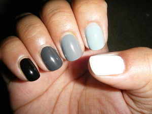 I have been seeing a ombres here and there and for my first attempt I had to do a black-to-white. So classy.