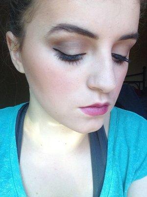 Makeup.. Concealer (light) Creme-to-powder foundation (ivory2/ivoire2) Mineral powder foundation (ivory2/ivoire2) E.l.f eyeshadows  Lips.. Purple