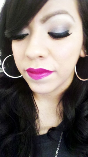 Daytime grey smokey eye and dat HOTT pink lips...