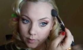 Vintage Burlesque Opening Act Inspired Look: LovenLipstick