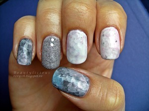 http://roxy-ch.blogspot.ro/2013/04/grey-fumes-inspired-by-a-book.html watercolor nails