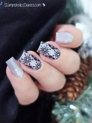 http://stampoholicsdiaries.com/2015/12/23/silver-snowflake-nails-with-beyu-catrice-mundo-de-unas-and-cicisisi/