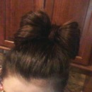 Bow hair! Luv Luv Luv:)