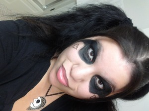 this is a photo of me doing a harley quinn look, sry the photo isnt turned, i had it turned the right way but it upload as sideways idk why.. but im a harley quinn fan and i love Jack.