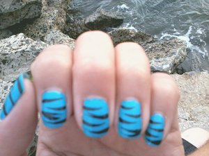 [ zebra print/tiger print inspired blue nails<3 ]