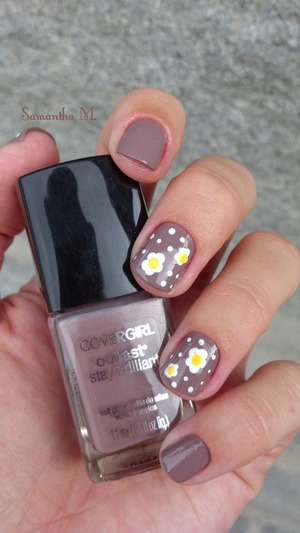 Smokey Taupe by Covergirl Outlast.