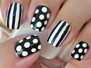 OPI - Alpine Snow Bettina - Onix Black and White Acrylic paint