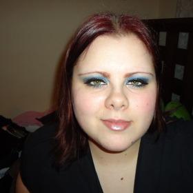 Make up looks.