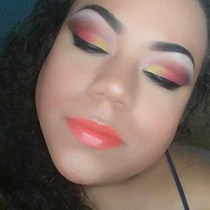 Cut crease using Natasha Denona Sunset Palette and Butter London Lip Pencil