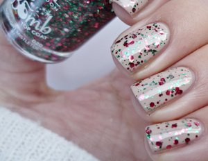 http://malykoutekkrasy.blogspot.cz/2014/11/rimmel-london-glitter-bomb-020-midnight.html