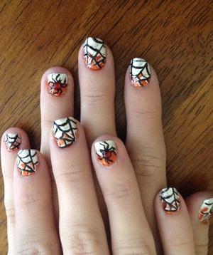 Spiderwebs on short nails