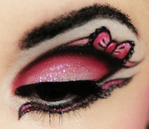 If you wonder why I was missing on beautylish these few days, I was trying so hard to master this eye art and do a tutorial for you guys! This gothic Lolita look is super cute and suitable for parties etc. what do you think? Xo Carabelle