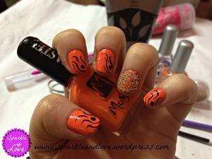 more pictures here :http://sparkleandlove.wordpress.com/2013/02/09/notd-prima-mea-colaborare-orange-nails/