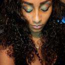 Makeup green/brownish