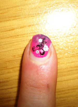Products I also used: Catrice Cosmetics ultimate nail lacquer 040 Princess for a day essence colour & go 34 essence nailart stickers