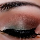 Green and Brown Smokey Look