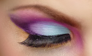 Pink, Purple, Blue & Gold Esmerelda Inspired Makeup & Hair  See more from my Disney inspired series at: http://pigmentsandpalettes.blogspot.com/