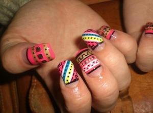 Aztec nails!:)
