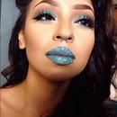 Glitter Queen 👑💙