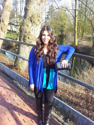 Check out my new video and blog for details about my 2 outfits and for more outfit pictures :) Youtube: http://youtu.be/4Rj2n70zs_E /> Blog: http://bootcampbeauty.com/winter-fashion-lookbook/