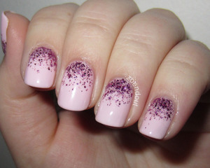 http://zoendout.blogspot.com/2012/12/girly-glitter-gradient.html