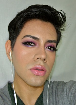 Was just inspired to create this look, because I haven't played much with color lately(I don't even know why), but here you go... hope you guys like it, there's a video if you wanna see how I created this look :-)