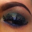 Peacock light smokey eye