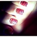 ombré zebra nails!